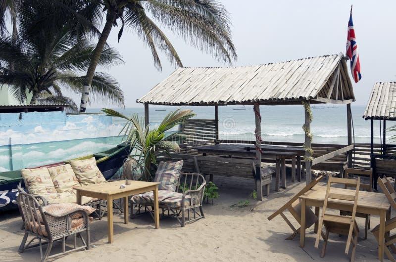 Rekreationsområde för de europeiska turisterna i Ghana royaltyfria bilder