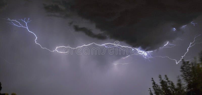 Relámpago en una tempestad de truenos fotos de archivo libres de regalías