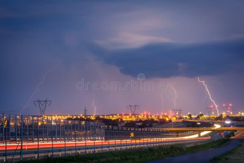 Relámpagos en Lublin durante una de las tormentas en 2017 imagen de archivo