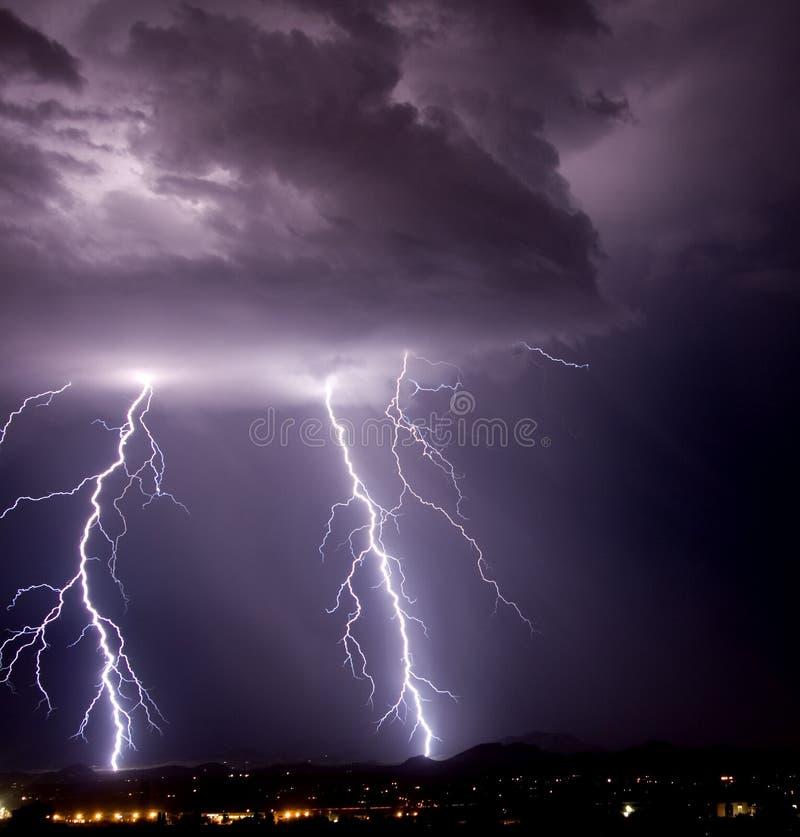 Relâmpago da montanha de Tucson imagem de stock royalty free