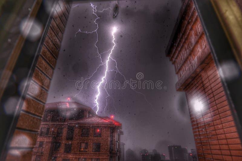Relâmpago na tempestade imagem de stock