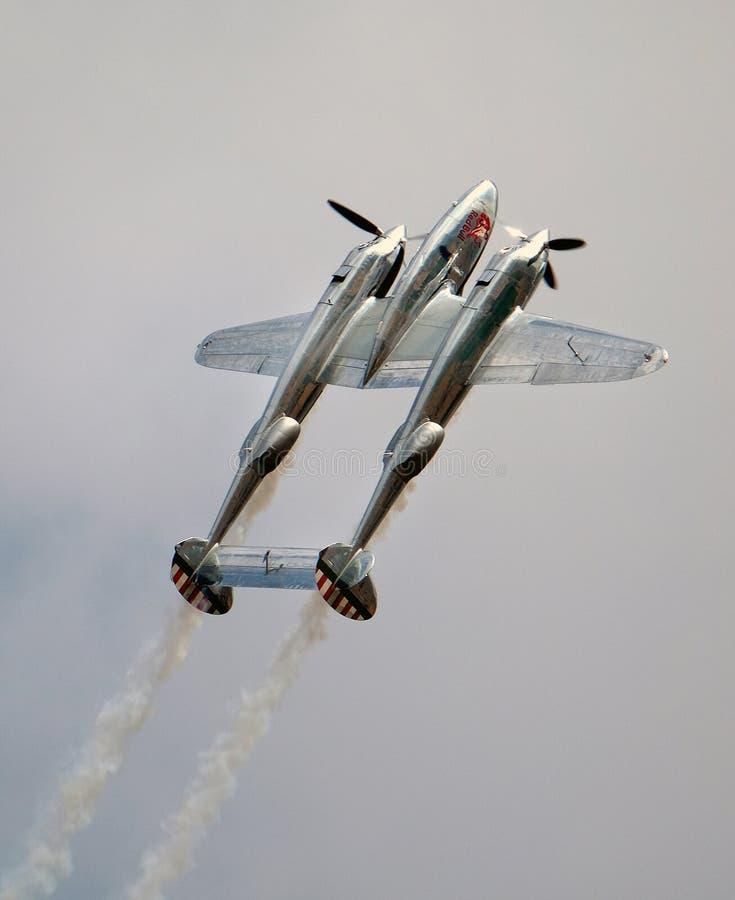 Relâmpago P38 de Lockheed Lutador americano da segunda guerra mundial fotografia de stock royalty free