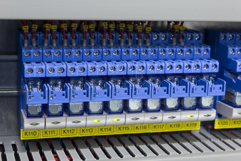 Relè elettrici nell'industria fotografia stock
