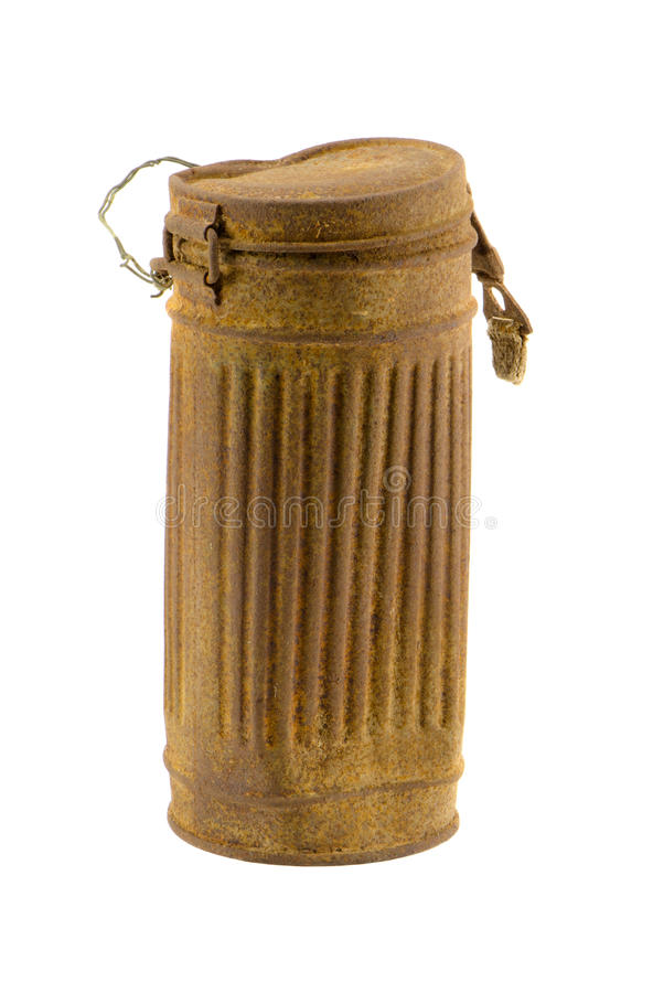 Relíquia da segunda guerra de mundo. Caixa do soldado do metal isolada fotos de stock