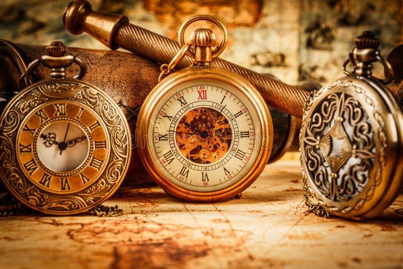 Relógio de bolso do vintage fotografia de stock royalty free