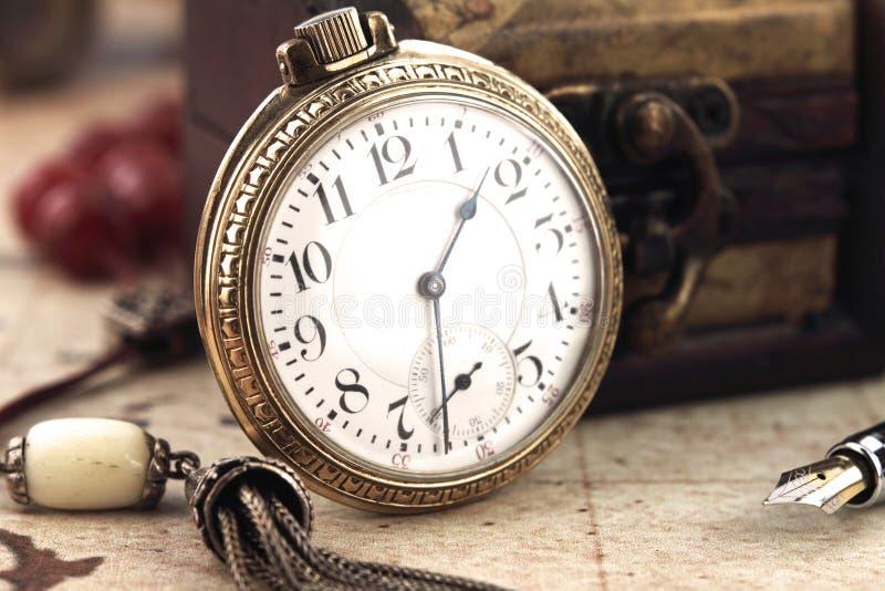 Relógio de bolso retro foto de stock royalty free