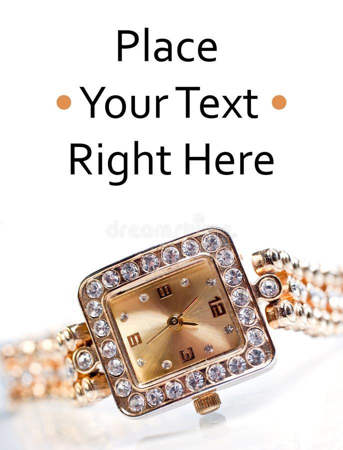 Relógio de pulso dourado com gemas imagens de stock