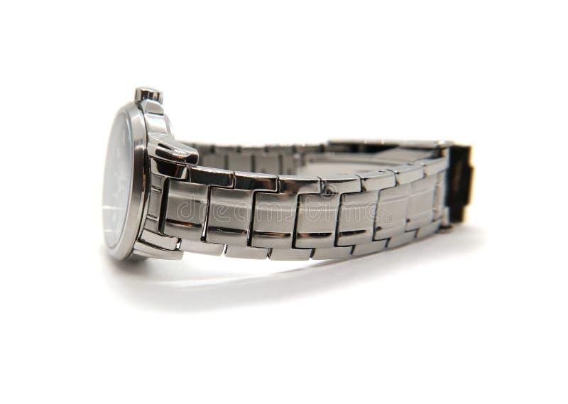 Relógio de pulso feito do aço com cor da prata do bracelete do ferro isolado no fundo branco fotografia de stock