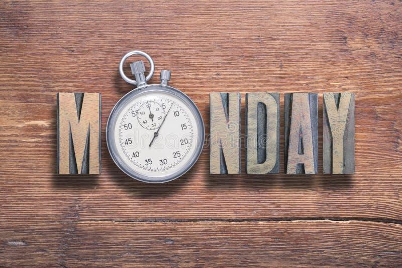 Relógio de segunda-feira de madeira fotos de stock royalty free