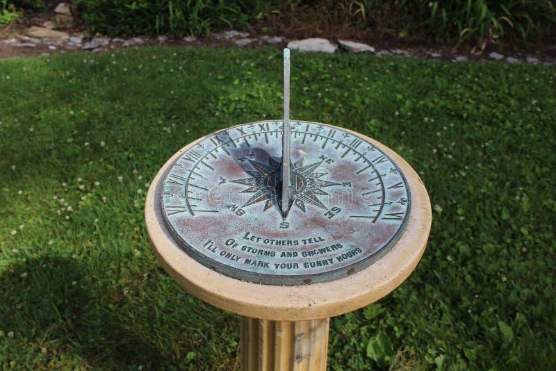 Relógio de sol de cobre imagem de stock