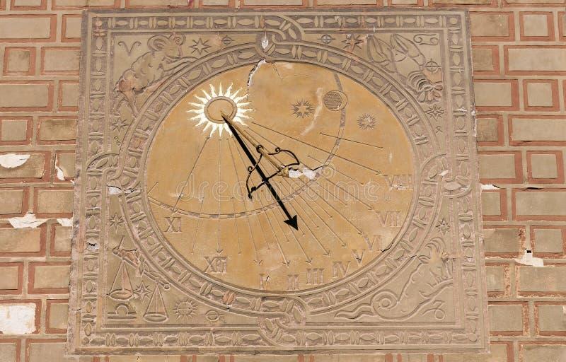 Relógio de sol, pulso de disparo solar imagem de stock