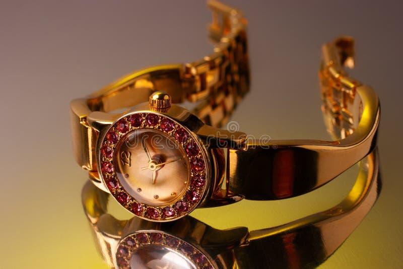 Relógio dourado imagens de stock