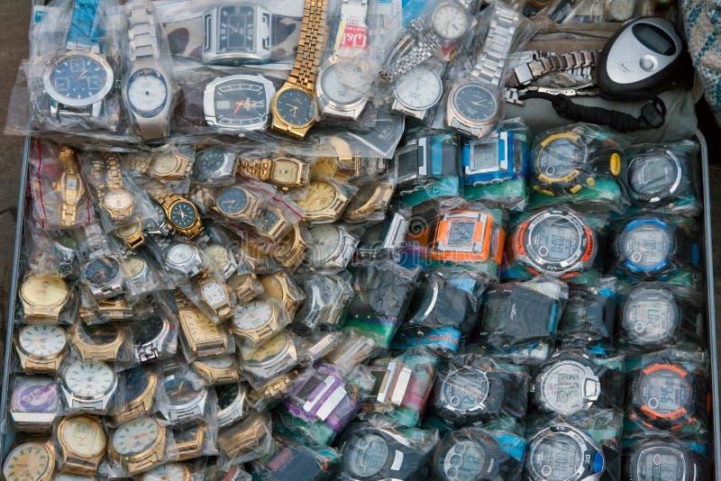 Relógios da moeda falsa imagens de stock