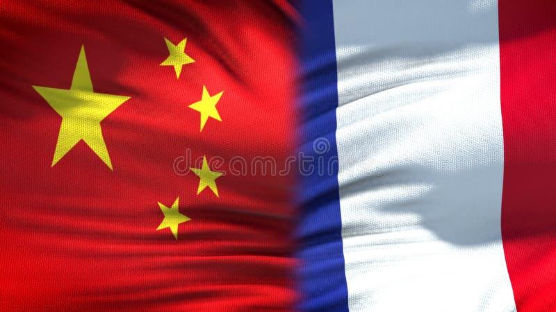 Relaciones del fondo de las banderas de China y de Francia, diplomáticas y económicas, comercio fotos de archivo