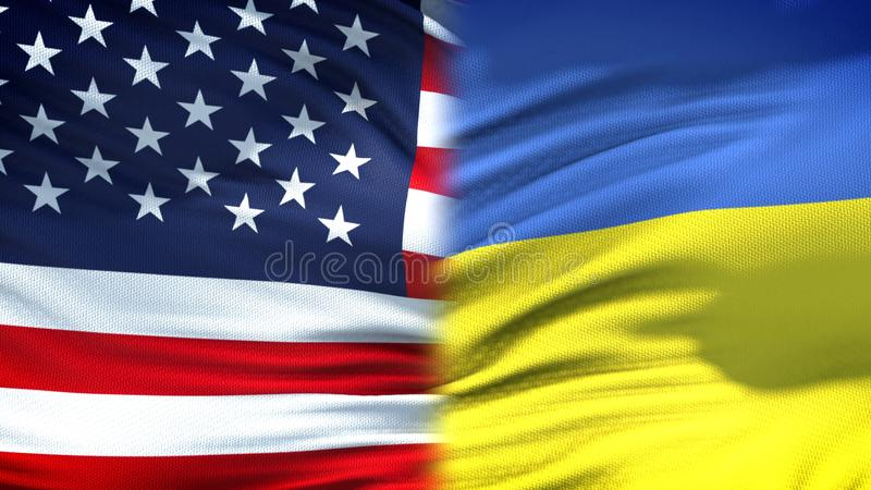 Relaciones del fondo de las banderas de Estados Unidos y de Ucrania, diplomáticas y económicas foto de archivo