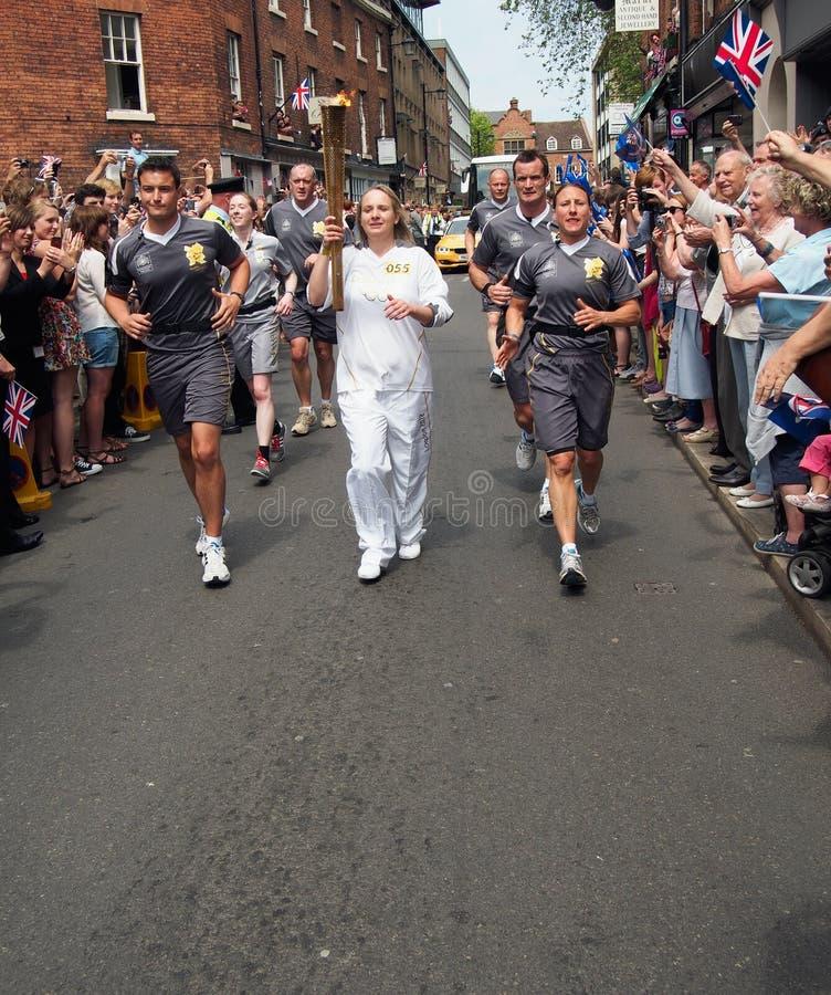 Relais olímpico de la antorcha Shrewsbury 2012 Inglaterra fotografía de archivo libre de regalías