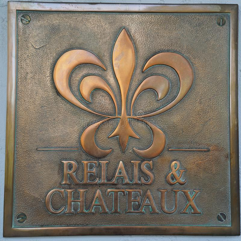 Relaisen & Chateaux undertecknar in det Chateau du Sureau hotellet i Oakhurst, Kalifornien arkivbilder
