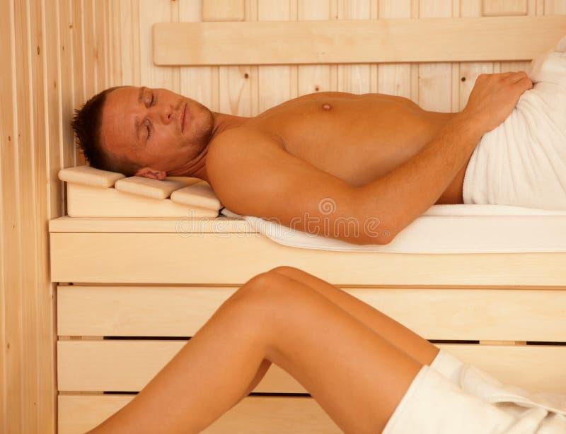 Relajación de la sauna fotos de archivo