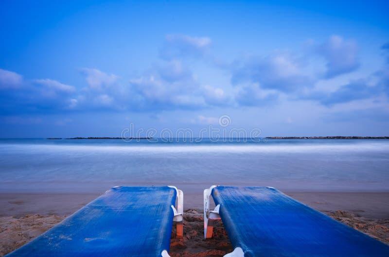 Relajación en la playa (horizontal) imágenes de archivo libres de regalías