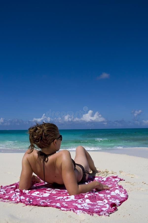 Download Relajación En Las Zonas Tropicales Foto de archivo - Imagen de paisaje, señora: 7279324