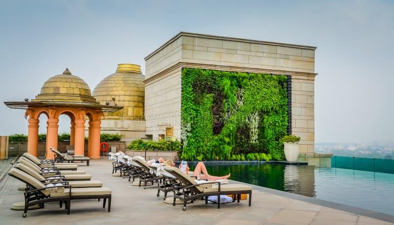 Relaksować na dachu tarasie obraz royalty free