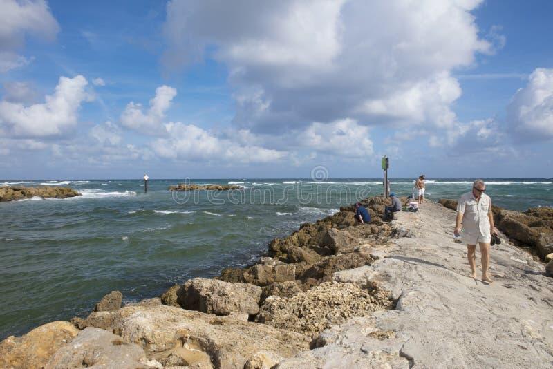Relaksować na nadmorski przy Południowym wpusta parkiem Boca Raton Floryda fotografia stock