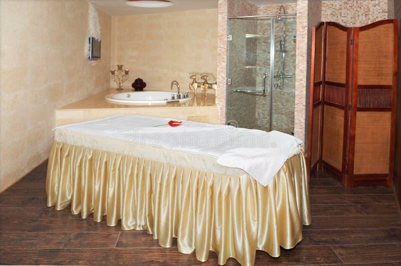 relaksu pokoju zdrój zdjęcie royalty free