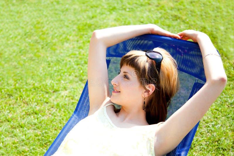 relaksujący słońce fotografia royalty free