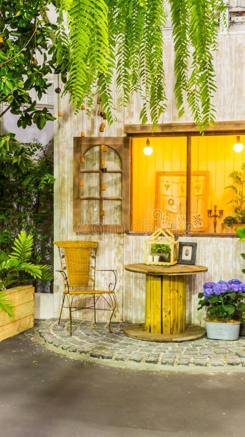 Relaksujący teren w wygodnym domu obrazy royalty free
