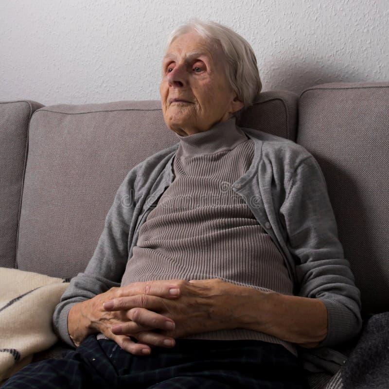 Relaksujący w emerytura domu fotografia royalty free