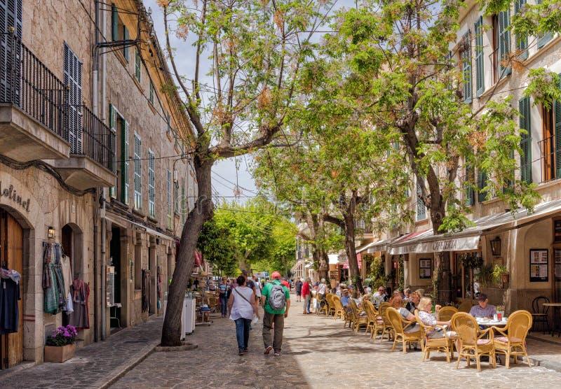 Relaksujący w Valldemossa, Mallorca zdjęcia royalty free