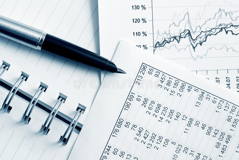 Relatórios financeiros. fotografia de stock