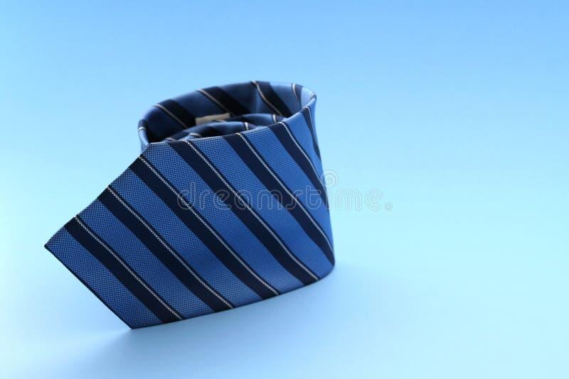 Download Relation étroite bleue photo stock. Image du robe, bleu - 729884