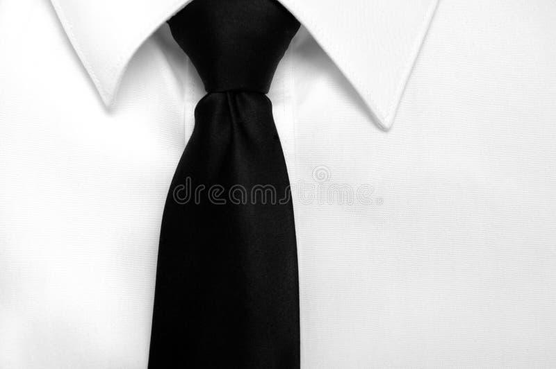 Relation étroite noire de chemise de robe image stock