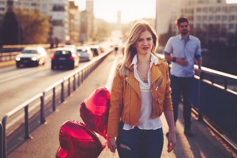 Relations tristes de dissolution de couples après argument photographie stock