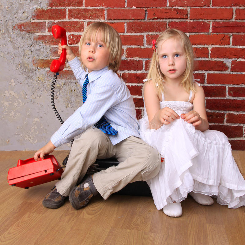 Download Relationship. Beautiful Girl And Boy With Phone. Stock Photo - Image: 14812890