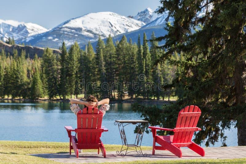 Relaxamento nas montanhas imagens de stock