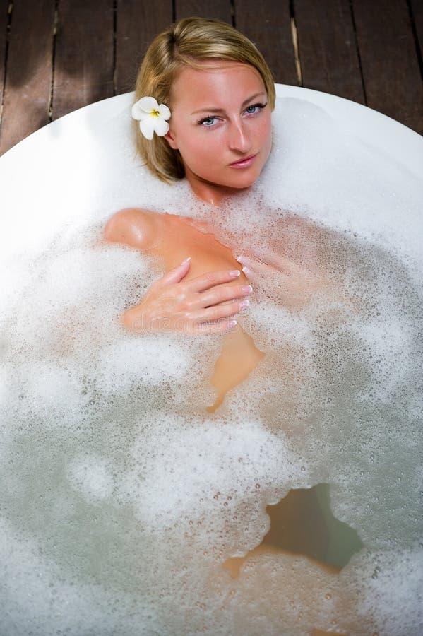 Relaxamento no banho foto de stock