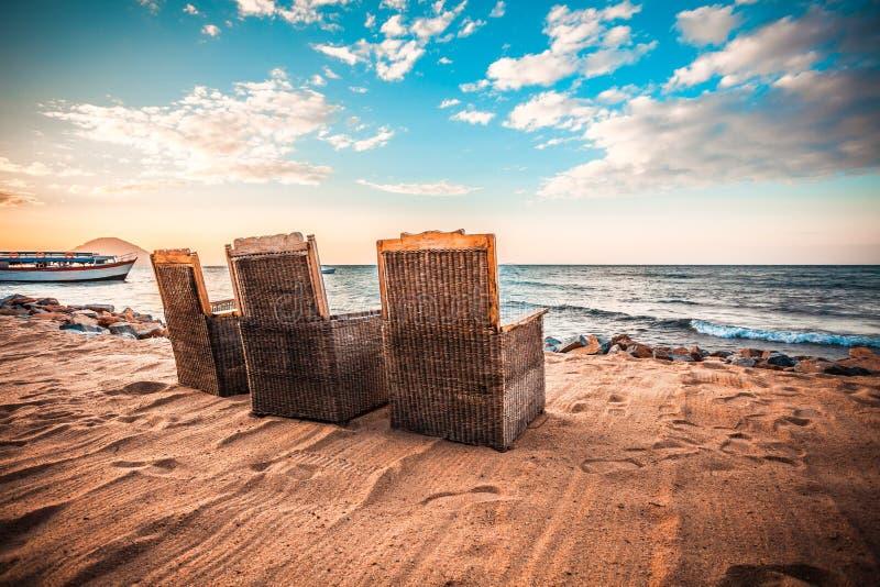 Relaxamento no lago malawi imagens de stock