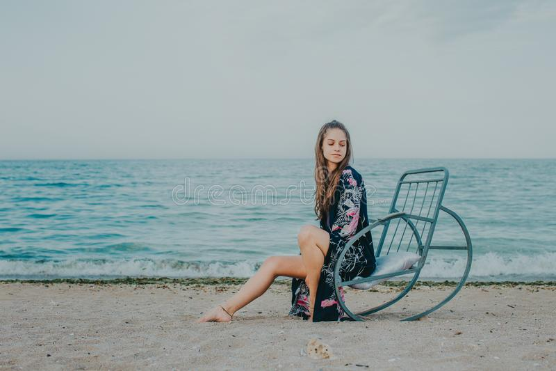 Relaxar na praia foto de stock royalty free