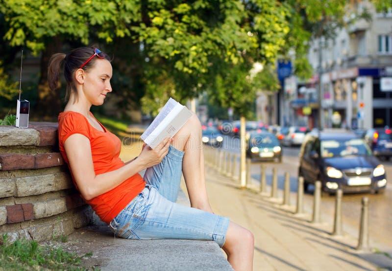 Relaxation dans la ville image libre de droits