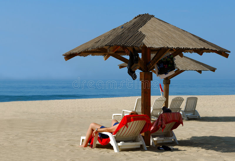 Relaxation de plage photographie stock libre de droits