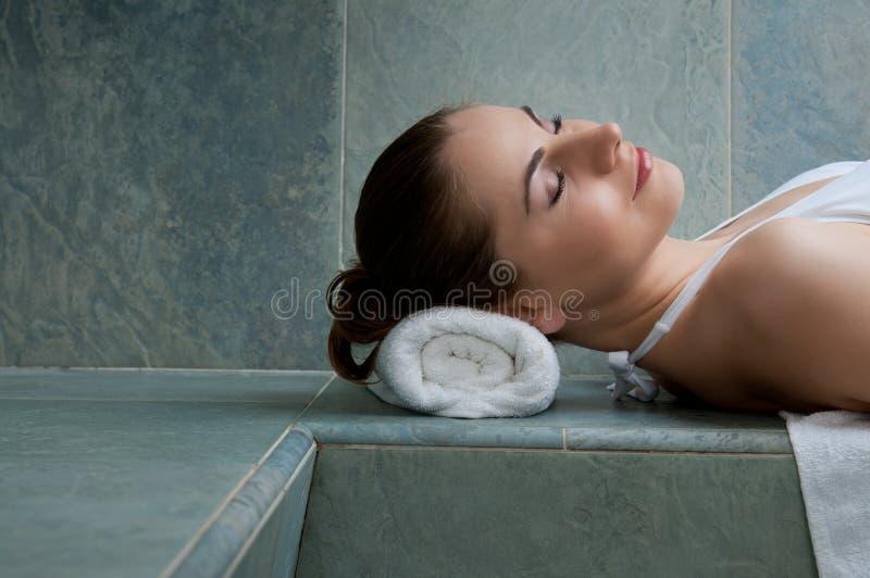 Relaxe em termas fotografia de stock