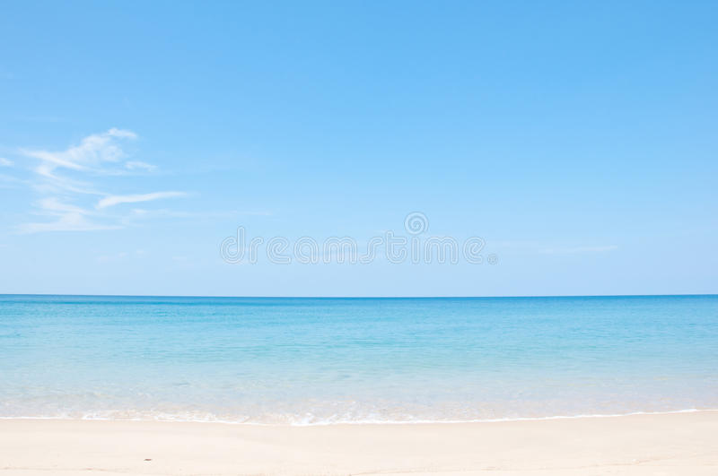 Relaxe na praia e no mar tropical foto de stock royalty free