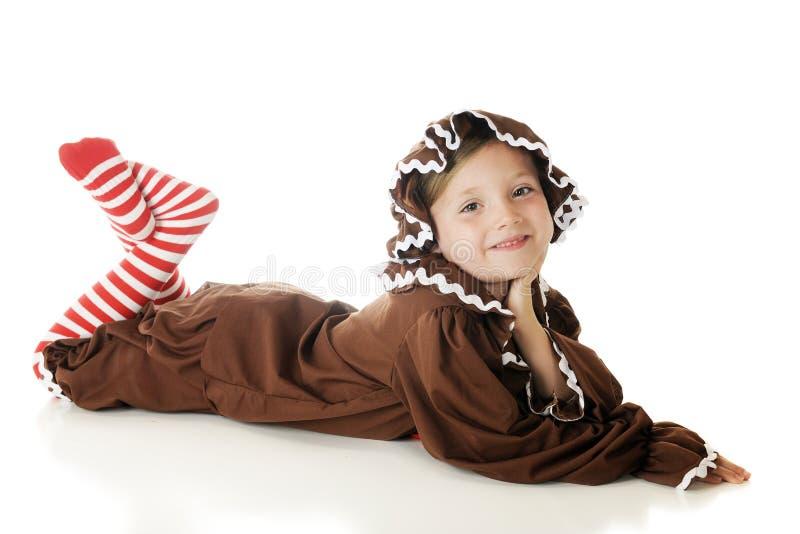 Relaxed девушка пряника стоковая фотография