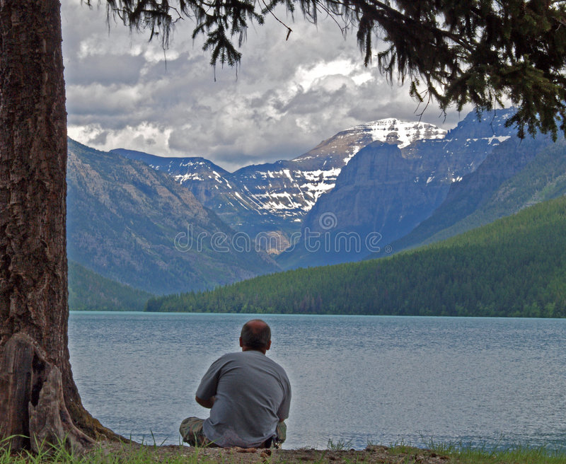 Download Relaxing At Bowman Lake Stock Photography - Image: 2593822