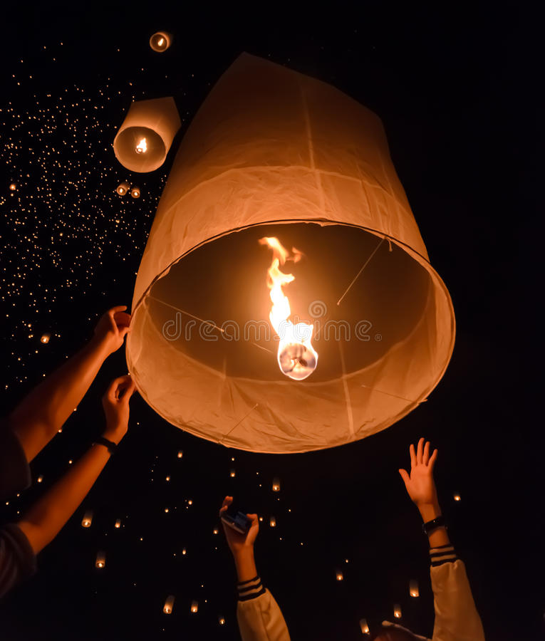 Free Release Of Sky Lanterns Stock Photography - 57395052