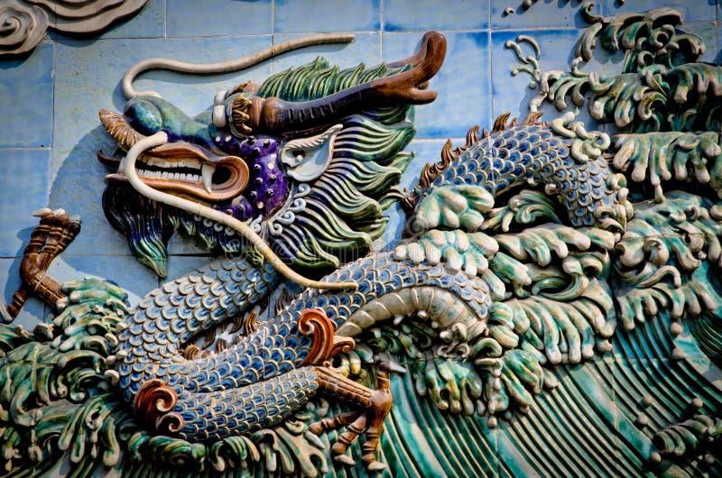 Relevación de piedra china del dragón fotografía de archivo libre de regalías