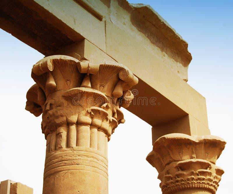 Relevos e colunas da ilha do arquivo, Assuan, Egito imagens de stock