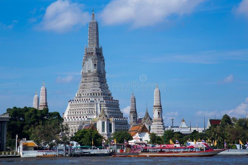 Religión buddish Bangkok Tailandia del templo del arun de Wat imagenes de archivo